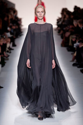 File:Valentino - Fall 2014.jpg