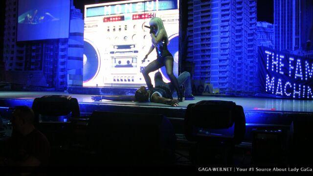 File:Doll Domination Tour Money Honey 001.jpg