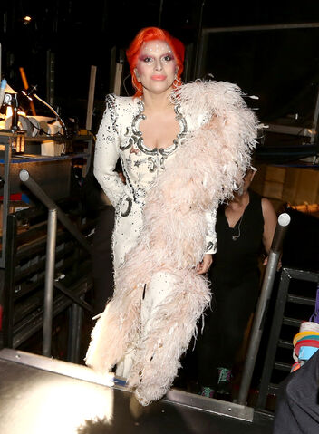 File:2-15-16 Backstage at 58th Grammy Awards in LA 004.jpg