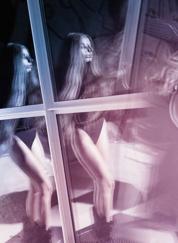 File:Elle - October 2013 007.jpg