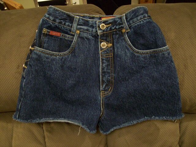 File:Lawman - Vintage short jeans.jpg