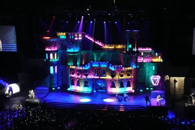 File:The Born This Way Ball Tour Electric Chapel 003.jpg