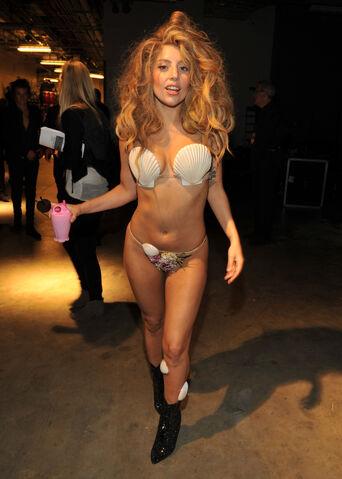 File:8-25-13 MTV VMA's Backstage 002.jpg