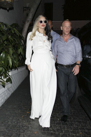 File:7-26-11 Chateau marmont.jpg