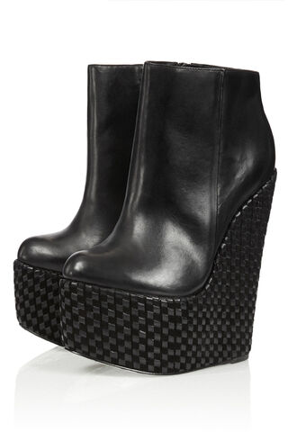 File:Chloe Jade Green - Dusk shadow wedge boots (SS13C).jpeg