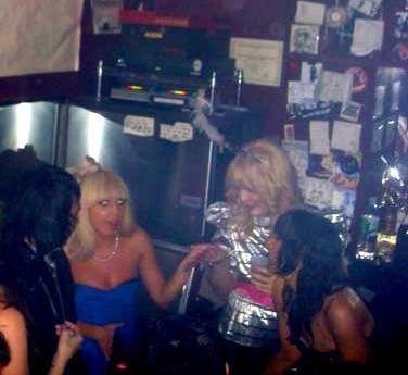 File:12-31-08 In a Nightclub on New Years 002.jpg