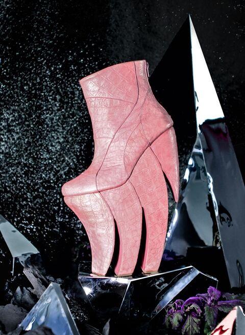 File:Long Tran - Longenecker shoes 002.jpg