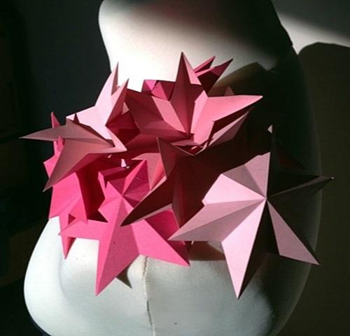 File:Clea Broad - Paper stars origami corsage.jpg