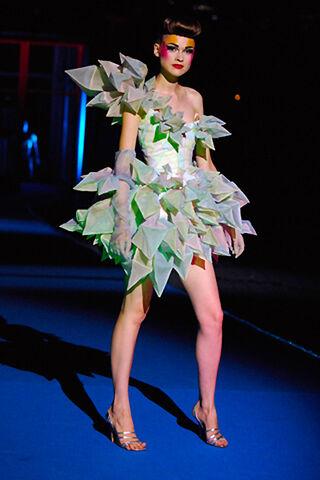 File:Thierry-mugler-spring-2008-dress-profile.jpg
