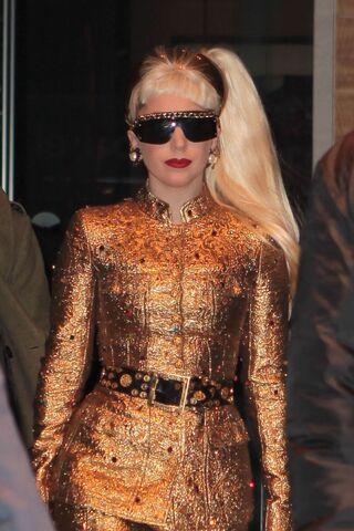 File:12-31-11 Leaving Hotel in NYC 002.jpg