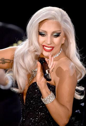 File:2-8-15 57th Grammy Awards - Performance at Staples Center in LA 003.jpg