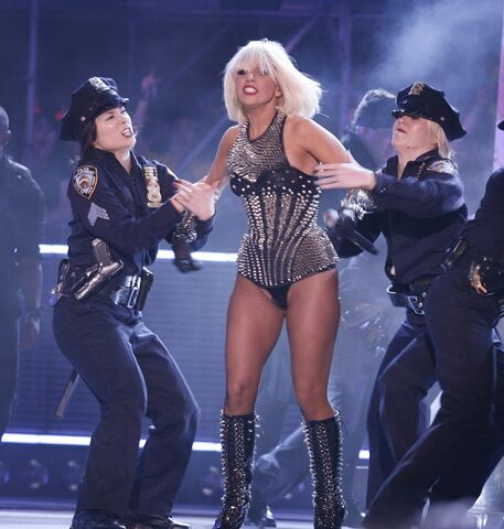 File:6-21-09 MuchMusic Video Awards Performance 008.jpg