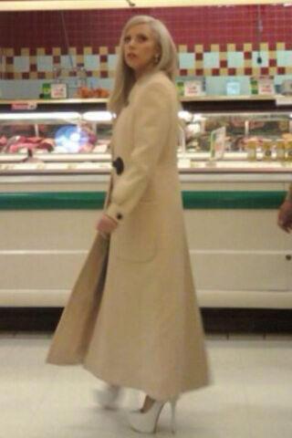 File:11-24-11 Shopping in Lancaster.jpg