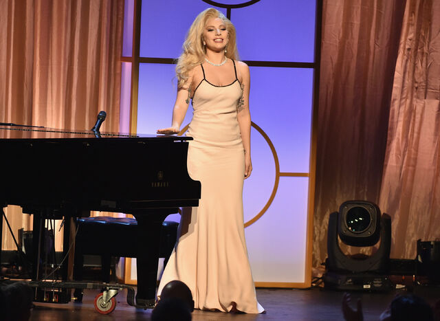 File:01-23-2016 27th Annual Producers Guild Awards in LA, CA Performance 004.jpg