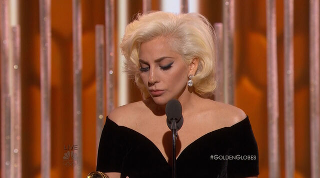 File:Golden Globes 2016 Live Screenshot 07.jpg