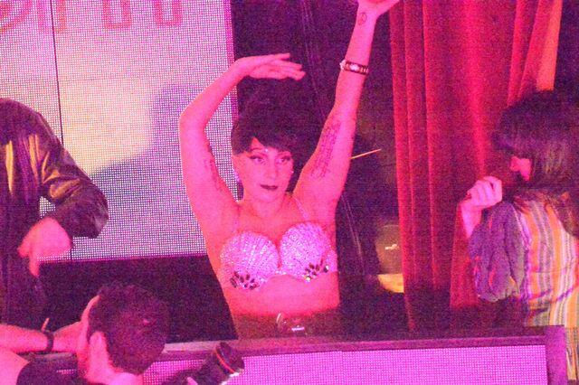 File:11-25-14 At Vip Room Club in Paris 001.jpg