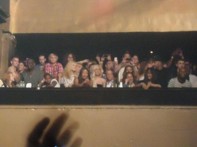 File:8-18-11 At Beyonce's concert 001.jpg