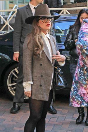 File:1-10-13 Leaving her hotel in Vancouver 003.jpg