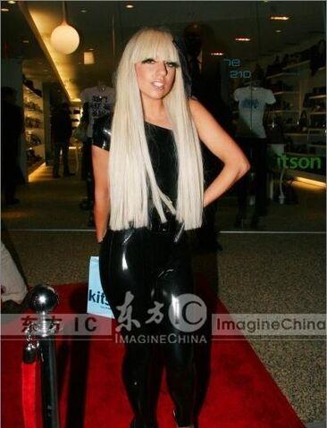 File:10-21-08 At Kitson Fashion Show 003.jpg