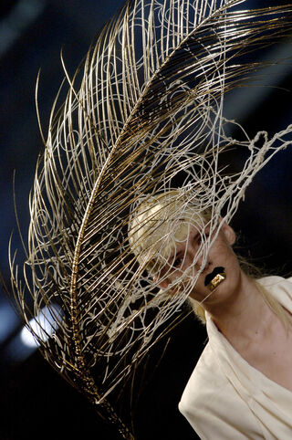 File:Stephen Jones for John Galliano SS 2007 Hat.jpg