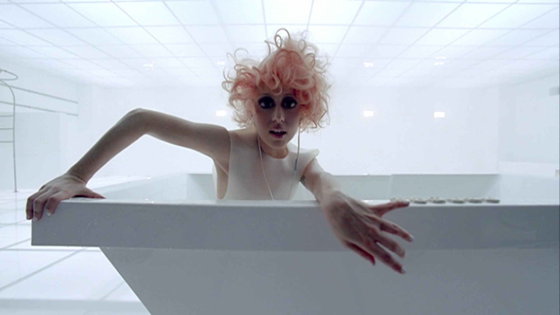 File:Lady Gaga - Bad Romance 012.jpg