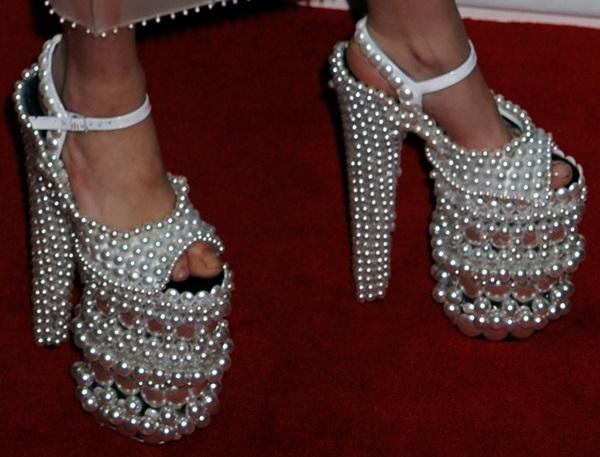 File:Lady-Gaga-pearl-platform-shoes.jpg