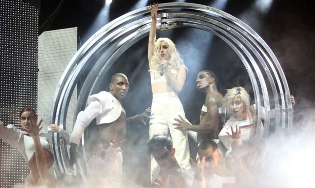 File:Lady Gaga The Monster Ball at Pearl Concert Theater 12-18-09.jpg