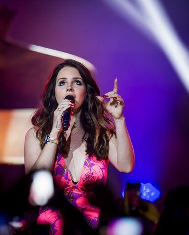 File:Lana-Del-Rey-Performs-at-The-Chelsea-at-The-Cosmopolitan-of-Las-Vegas-April-11 kabik-9.jpg