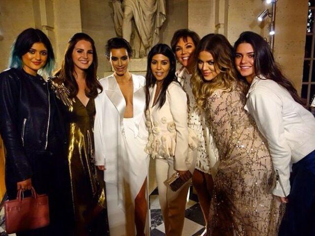 File:Kim-kardashian-familie-versaille.jpg
