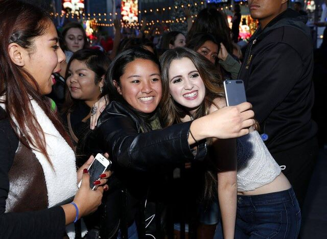 File:Laura with some fans (3).jpg
