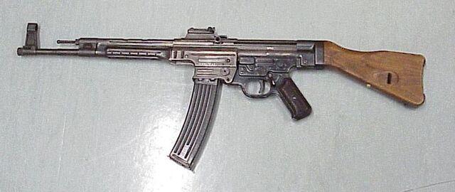 File:800px-Sturmgewehr 44.jpg