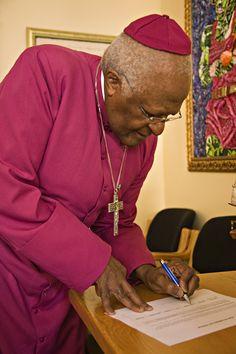 File:Desmond Tutu.jpg