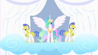 640px-Princess Celestia and her guards S1E16