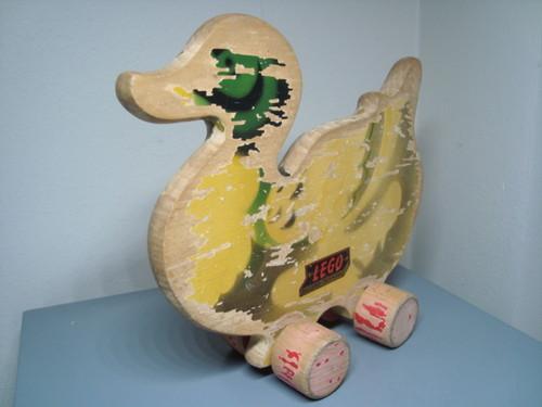 File:Lego duck 2.jpg