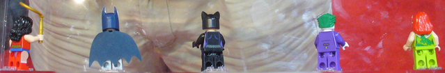 File:Back of dc minifigs.png