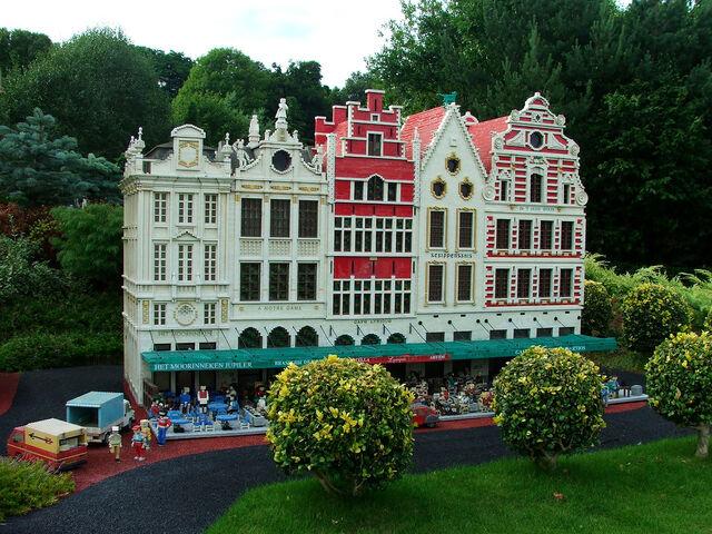 File:Miniland, Legoland, Windsor.jpg