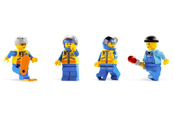 File:7738 Minifigures.jpg