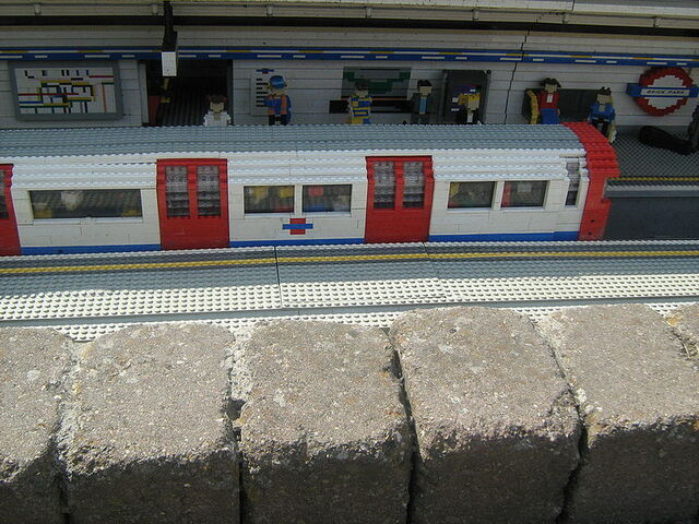 File:Legoland-tube.JPG