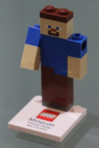 File:MineCon Steve.jpg