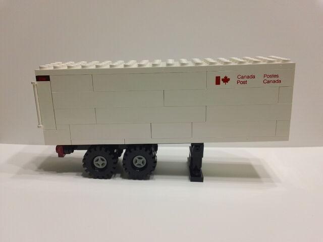 File:Lego Canada Post 107 Trailer.JPG