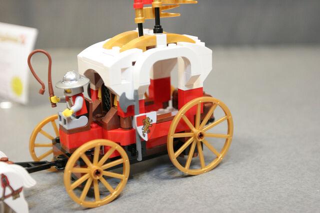 File:LEGO Toy Fair - Kingdoms - 7188 King's Carriage Ambush - 14.jpg