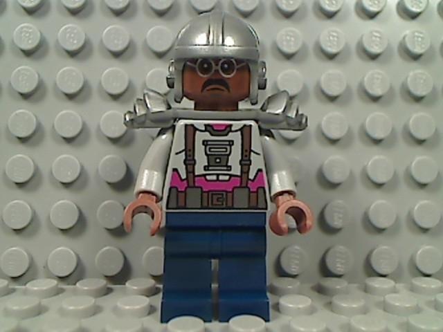 File:Lego-teenage-mutant-ninja-turtle-baxter-stockman-minifigure-79105-legoland-1302-03-Legoland@9-1.jpg