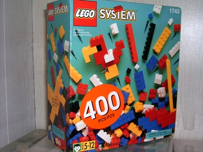 File:1743-Box of Standard Bricks, 5+.jpg