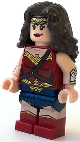 File:Wonder Woman BvS.png