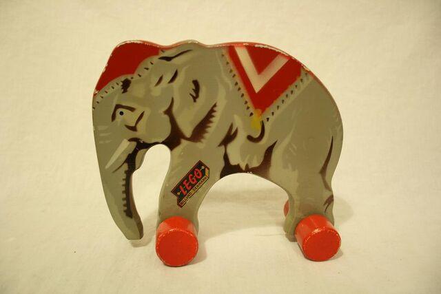 File:Wooden lego elephant6.jpg