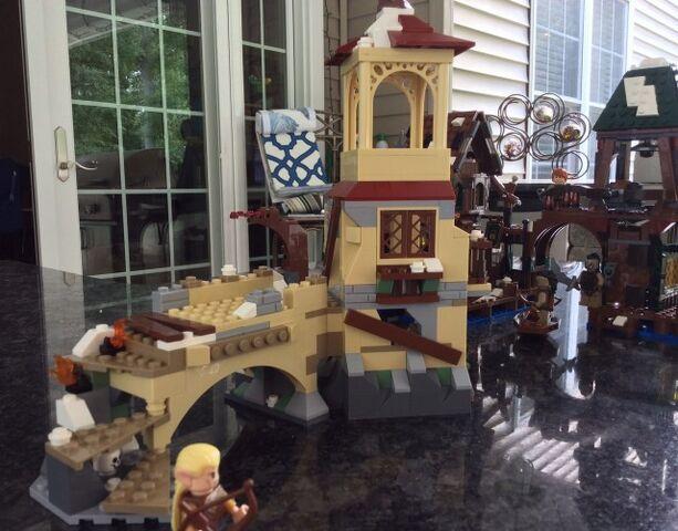 File:LEGO-Hobbit-The-Battle-of-Five-Armies-79017-Set-Building-e1410791073384-640x501.jpg