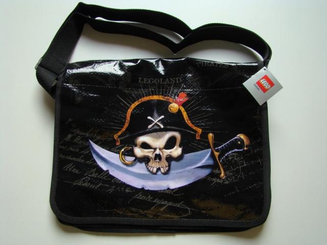File:852228 Pirates Shoulder Bag.jpg