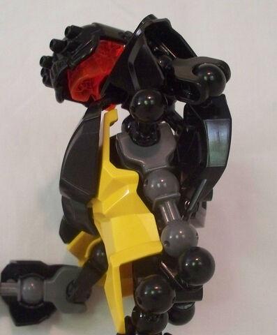 File:ToaMeiko-Voltage-Hornet-2.jpg