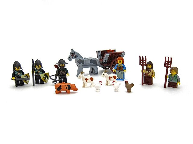 File:All minifigs from7189.jpg