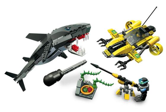 File:7773 Tiger Shark Attack.jpg